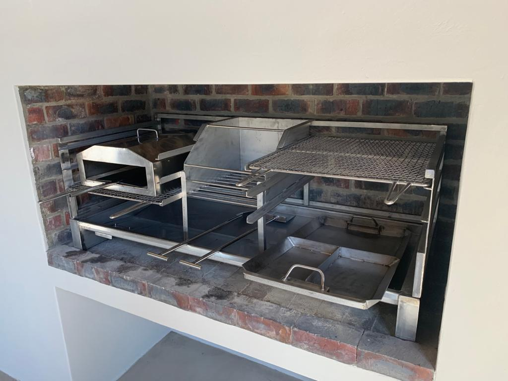 combination stainless steel pizza oven and braai