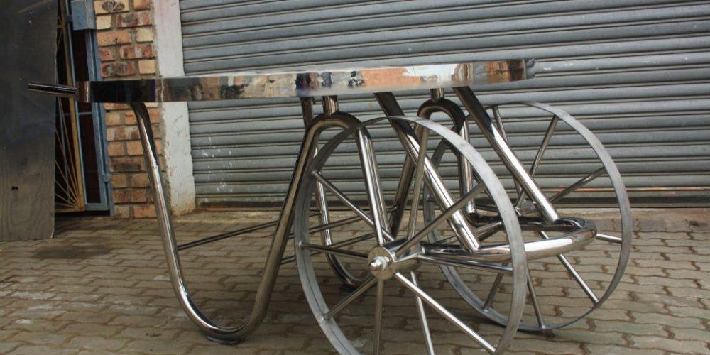 Mobile stainless steel braai
